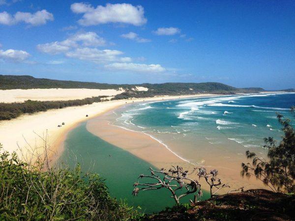beach house accommodation tin can bay beach and coastline